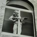Roland Oesker Junge am Fenster