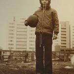 Roland Oesker Junge mit Ball